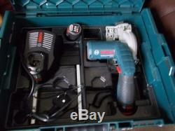 BOSCH PROFESSIONAL 12V CIRCULAR SAW GKS WITH 2 x 2Ah BATTERIES+CHARGER GKS12V-26