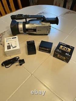Canon GL2 Ntsc MiniDv 3ccd Digital Video Camcorder (DM-GL2A) Battery & Charger