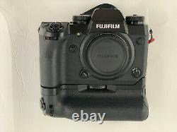 FUJI XH-1 WITH GRIP, BOX, Rode Mic Pro 6 Batteries 2 Chargers
