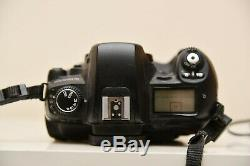 Fuji Fujifilm Finepix S3 pro with batteries and charger perfect working order
