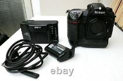 Nikon D2x Professional With Nikon Battery, Shutter 37.000, + Charger