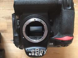 Nikon D3 Full Frame Pro SLR. Very low Shutter Count. In Box 3 Batteries+charger