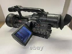 Panasonic AG-DVX100B Camcorder With Battery/charger 189 Hours