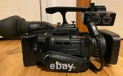Panasonic AG-HMC40 AVCCAM Pro HD Camcorder only 188 Hour Use with 64GB SDHC Card