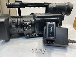 Panasonic AG-HVX200AP P2 HD Camcorder WITH BATTERY & CHARGER Clean
