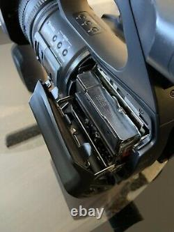 Sony HDR-FX1000 HDV HD NTSC MiniDV Camcorder FX-1000 Charger Batteries Included