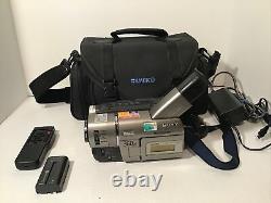 Sony Handycam CCD-TRV67 Hi-8 / 8mmCamcorder, Bag, Battery, Charger, Remote, Works