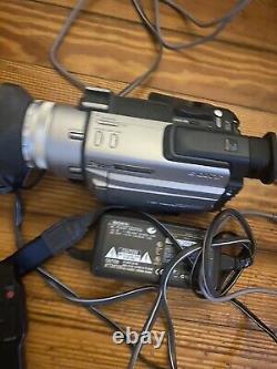 Sony Handycam DCR-TRV900 Mini DV Camcorder, Battery/Charger