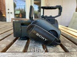 Sony NEX-FS700R Super 35 Camcorder BODY ONLY with Batteries & Charger